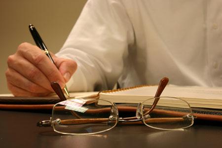 Gần 100 câu hỏi ôn tập Luật hành chính