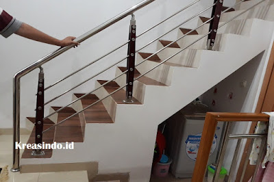 Railing Stainless Minimalis Klasik Pemasangan di Rumah Bpk Wisnu di Villa Casablanca Sawangan Depok