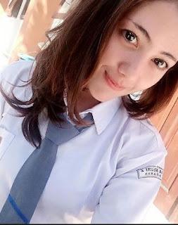 Video 3GP Bokep Sedarah Om Ngentot Memek Keponakanya Pecah Perawan Di Rumah