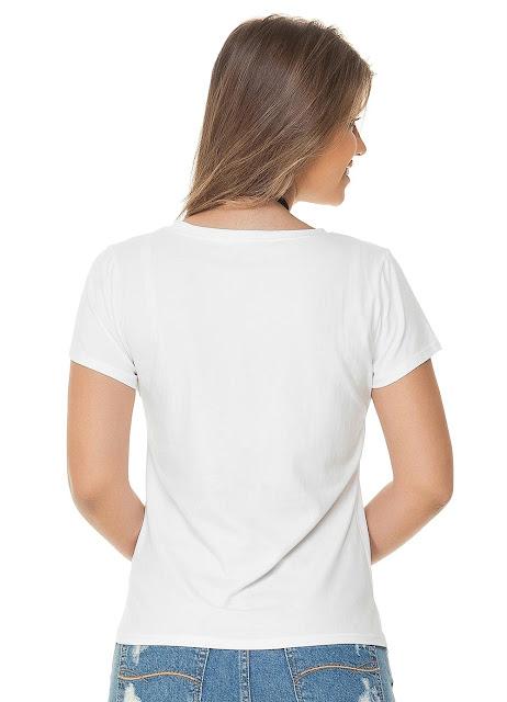 Blusa em malha de algodão com decote redondo e estampa frontal com aplicação de pedras