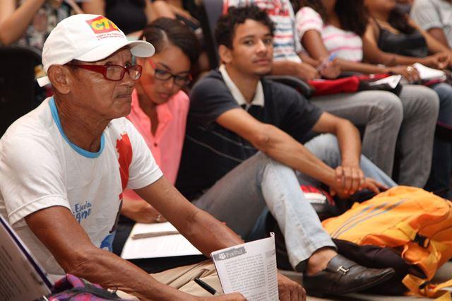 Estudantes lotaram o Centro de Convenções Pedro Neiva de Santana
