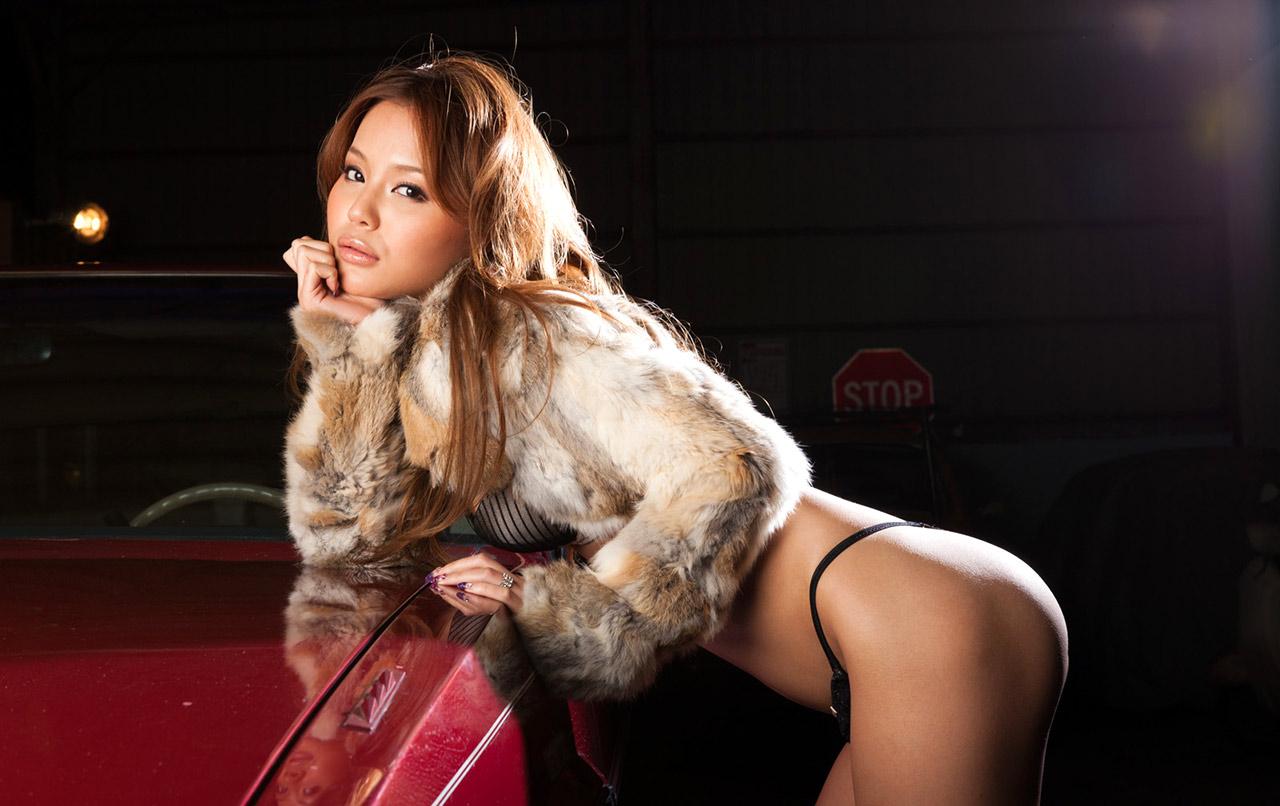 sexy emiri okazaki sexy bikini pics 02