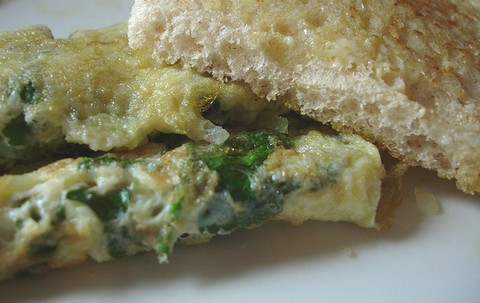 Onion and Coriander Omelette with Toasted Bread