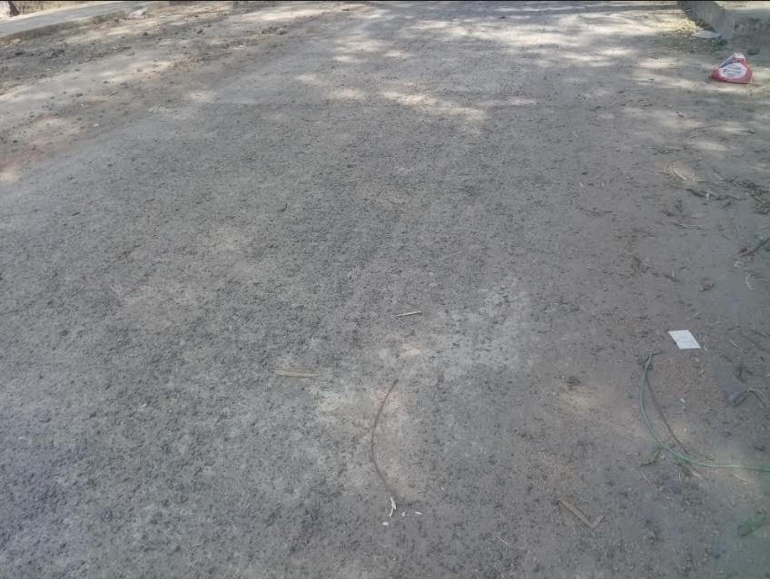 Thandla Khabar, samachar- थांदला नगर के मुख्य मार्ग पर बना सीसी रोड एक माह मे ही खराब