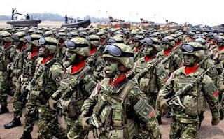 Terus Lanjut Blusukan ke Markas TNI, Presiden Beri Arahan Kepada Pasukan Kostrad - Commando