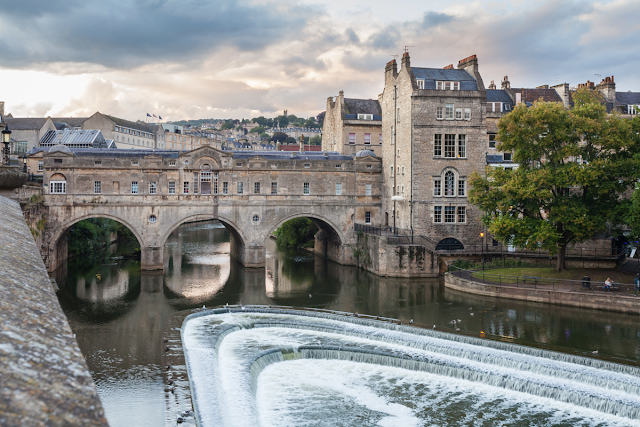 Pulteney Bridge, over the River Avon, Bath