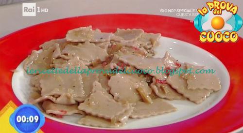 Maltagliati rosa con salsa ai porcini ricetta Ricchebono da Prova del Cuoco