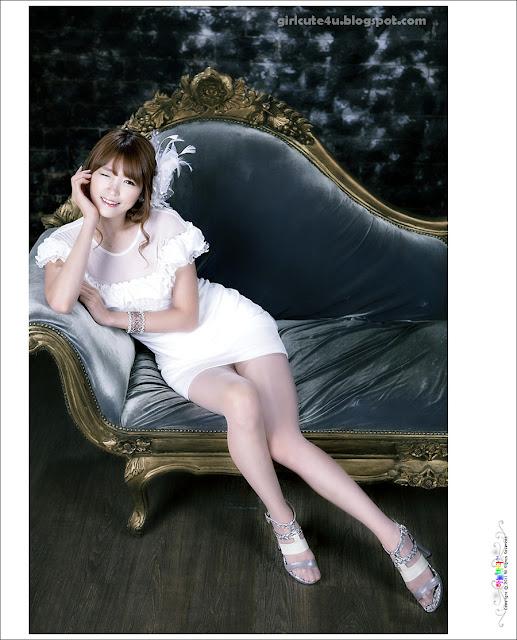 xxx nude girls: Lee Eun Hye - School Girl
