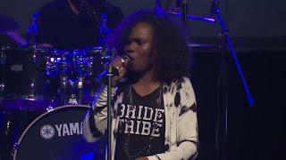 victoria orenze praise and worship leader