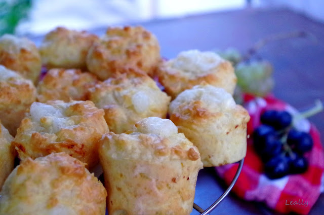 http://leally.blogspot.fr/2015/10/muffins-3-fromages_19.html