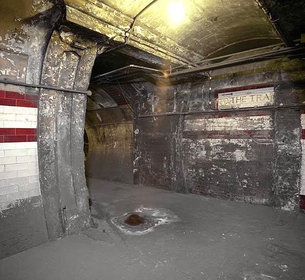 Deserted Places: 10 Abandoned London Underground Stations