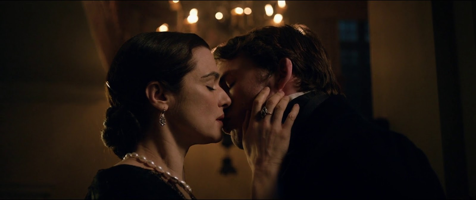 My Cousin Rachel (2017) 2