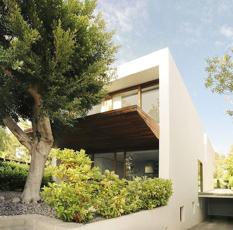 la vivienda ha sido diseado por el estudio de arquitectura de ramn esteve y se encuentra en valencia - Ramon Esteve Arquitecto