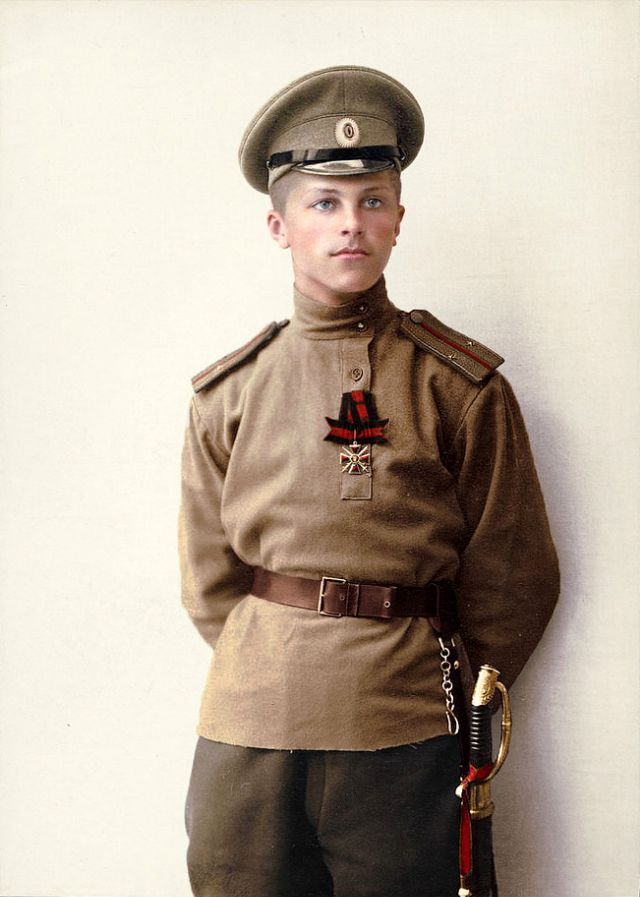 56 Incredible Colorized Photos That Revived 'Russia During