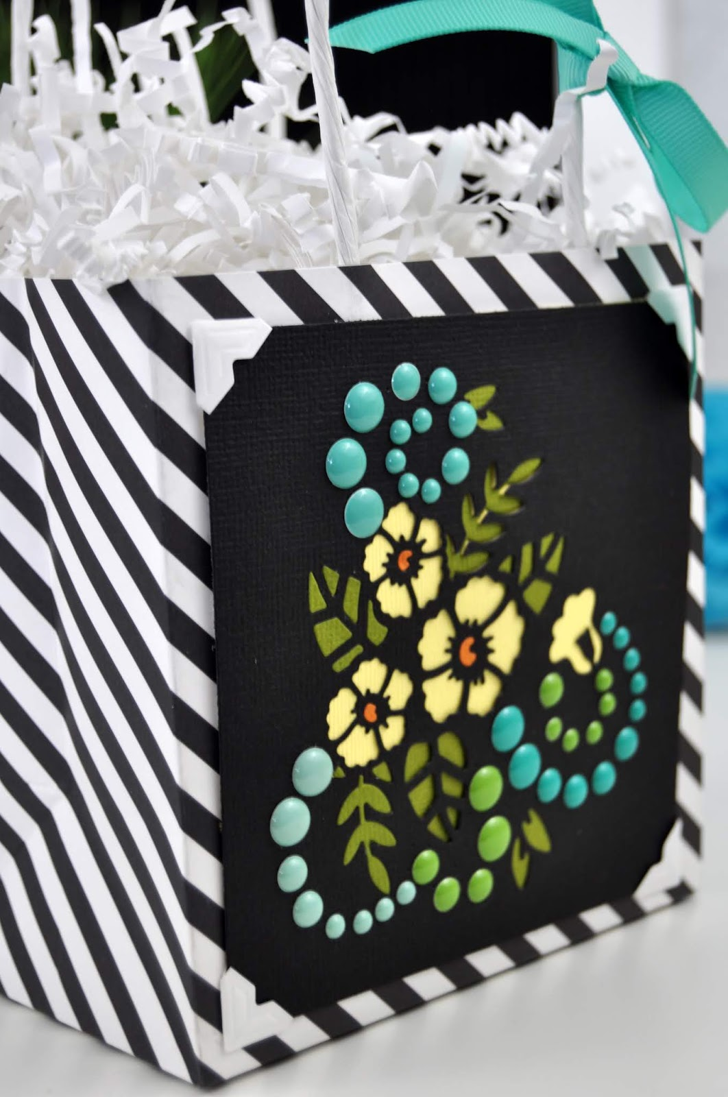 Die Cut Flower Gift Bag Tutorial with Jen Gallacher for Scrapbook.com #giftbag #papercraft #scrapbookdotcom #jengallacher