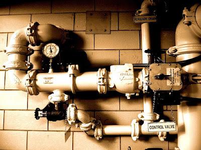 Válvulas de presión en un pasillo
