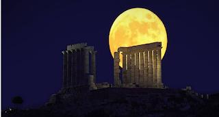 Αυγουστιάτικη Πανσέληνος με Λευκή Νύχτα στο Ναύπλιο