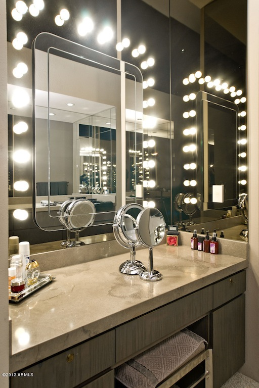 Bathroom mirror with light bulbs