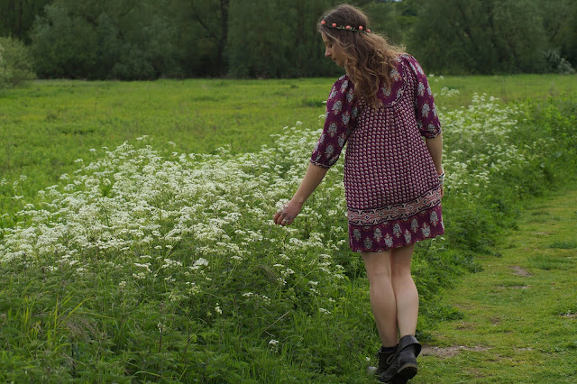 Girl in cow parsley meadow