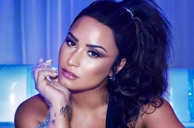 Demi Lovato deixa hospital
