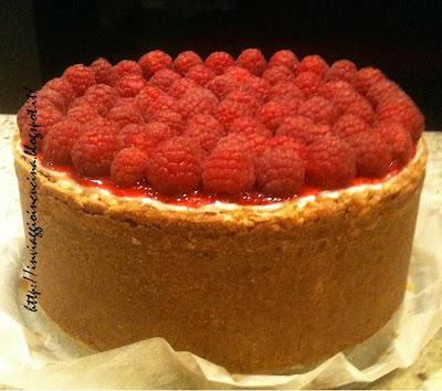 Cheesecake con coulis di lamponi