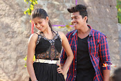 Vasthunadu Movie Stills-thumbnail-9