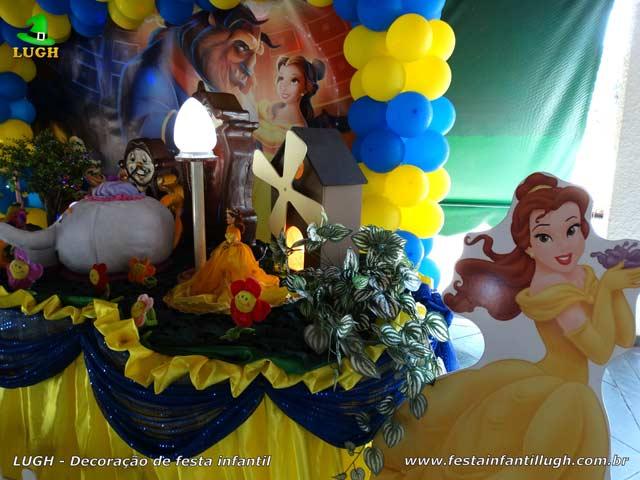 Decoração de festa A Bela e a Fera - Mesa luxo para aniversário infantil