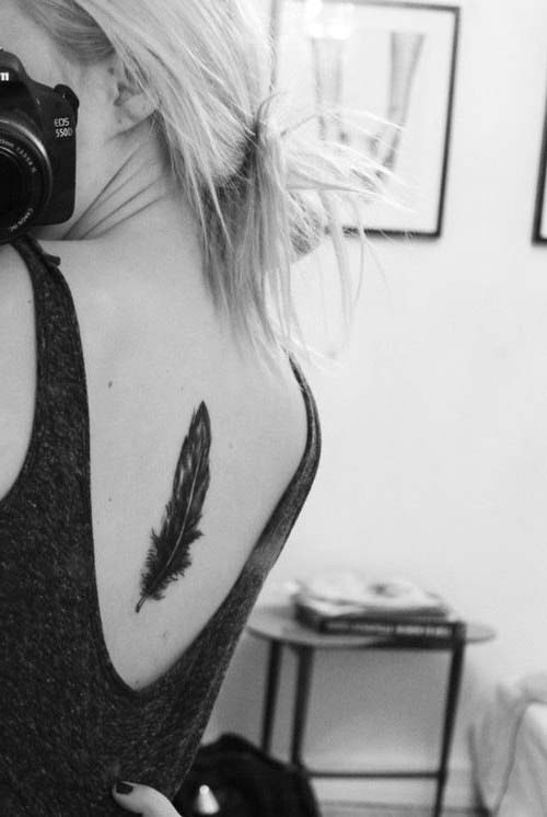 back feather tattoo tumblr sırt tüy dövmesi