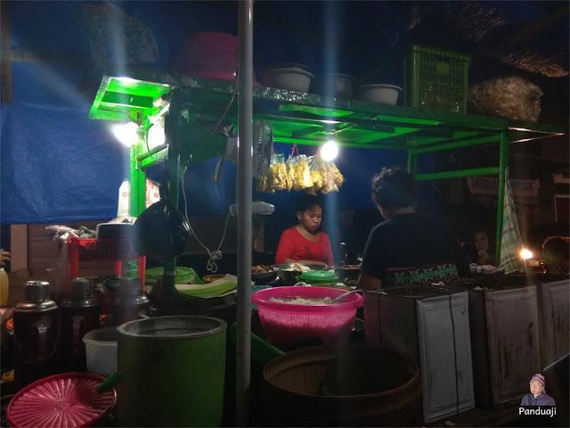 Warung Nasi / Lontong Tahu di Jl Lawu Blitar