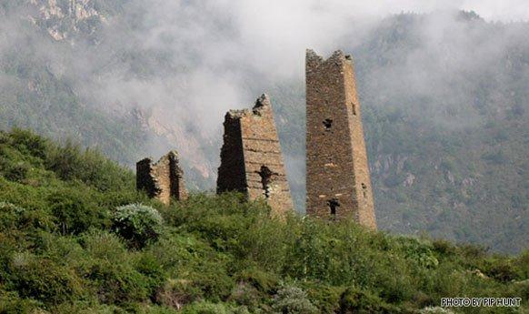 Menara Tibet di Sichuan Barat