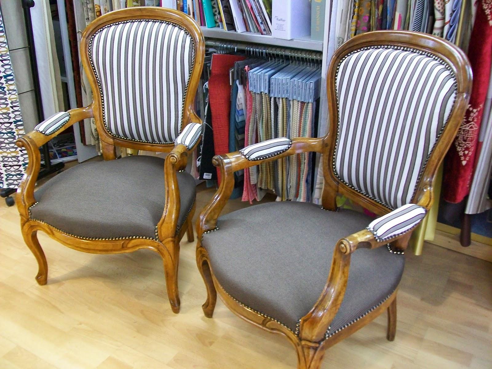 l 39 fauteuil louis phillippe et tabouret. Black Bedroom Furniture Sets. Home Design Ideas