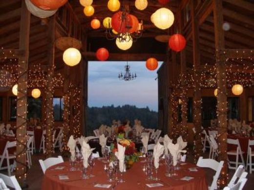 Western wedding theme decorations have your dream wedding - Decoracion columnas salon ...