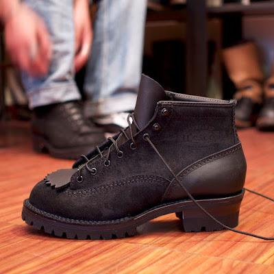 ブラックのパーツでまとめたウエスコ製、ジョブマスター。6インチの丈にブラックレザーのコンビもポイント。