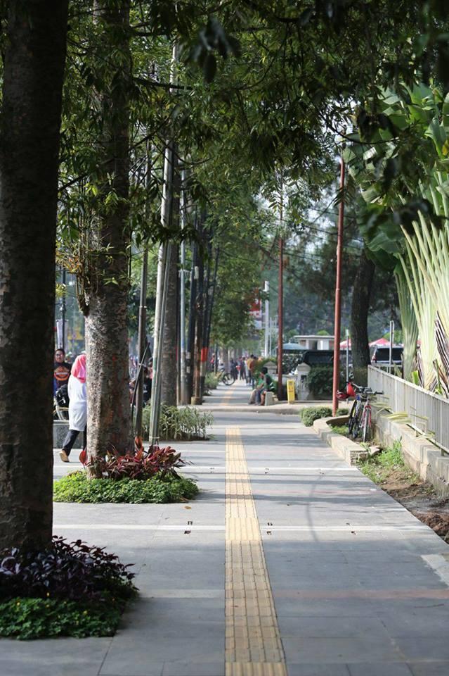 Pemkot Bandung Revitalisasi 15 Ruas Trotoar Tahun Ini