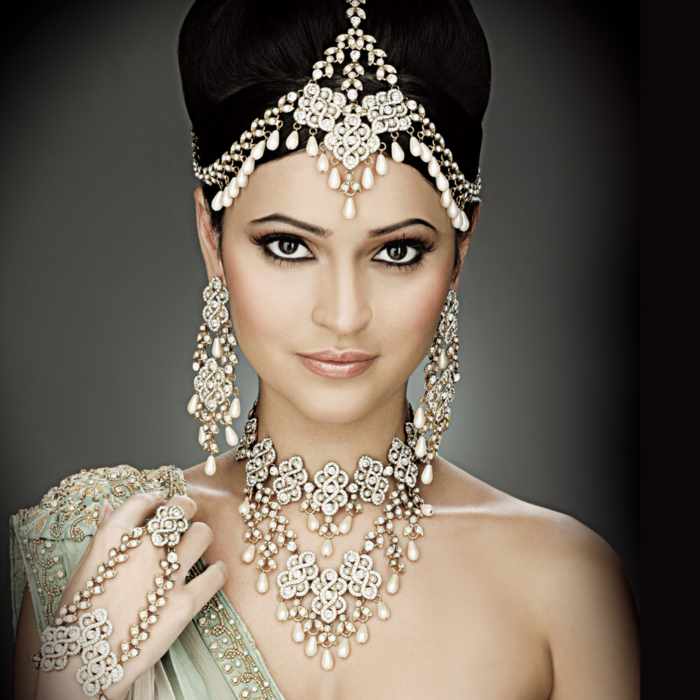 Wedding Hairstyles With Jewels: FASHION FADE STYLE IS ETERNAL: Matha Patti For Brides