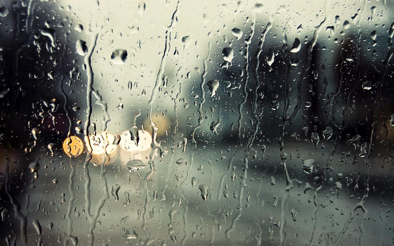 Suara Deras Hujan di Malam Dingin