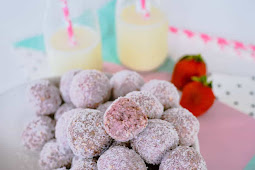 Strawberry breakfast bites