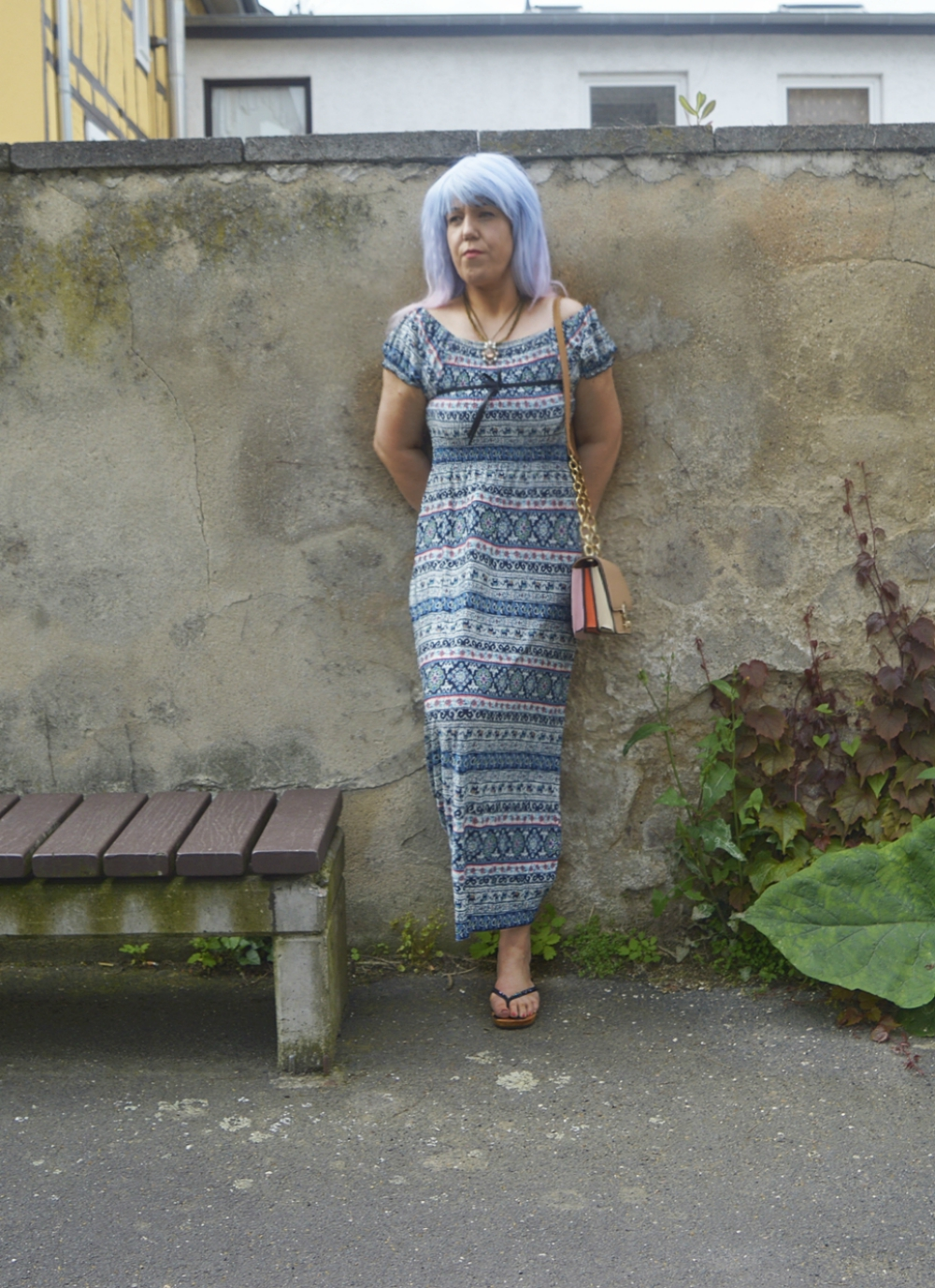 Outfit sommerliches Maxikleid mit Print und Holz FlipFlops - posted by Annie K, founder, CEO and writer of ANNIES BEAUTY HOUSE, fashion and lifestyle blog