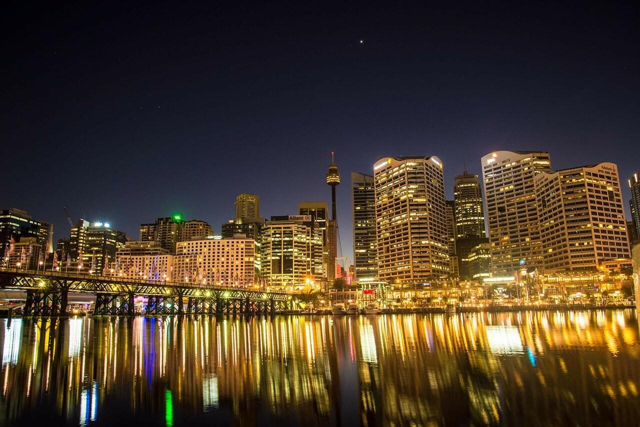 雪梨-雪梨景點-推薦-雪梨必玩景點-雪梨必遊景點-達令港-情人港-夜景-旅遊-自由行-澳洲-Sydney-Tourist-Attraction-Darling-Harbour-night-view-Travel-Australia
