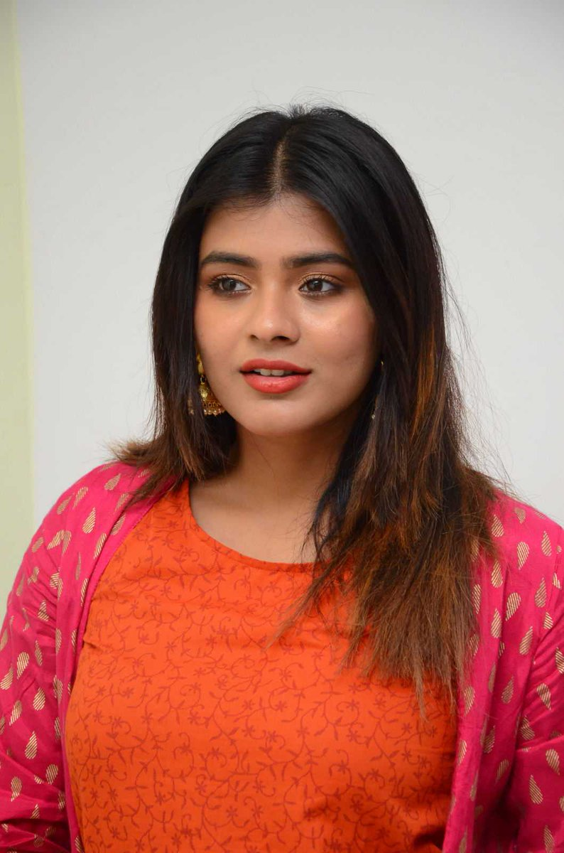 Actress HebahPatel Latest HD Images