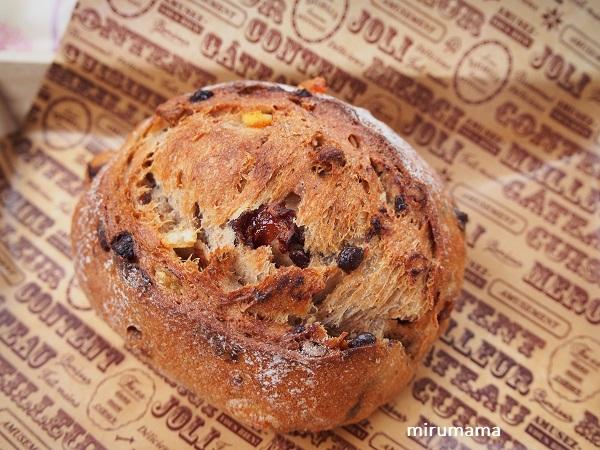 固めのパン