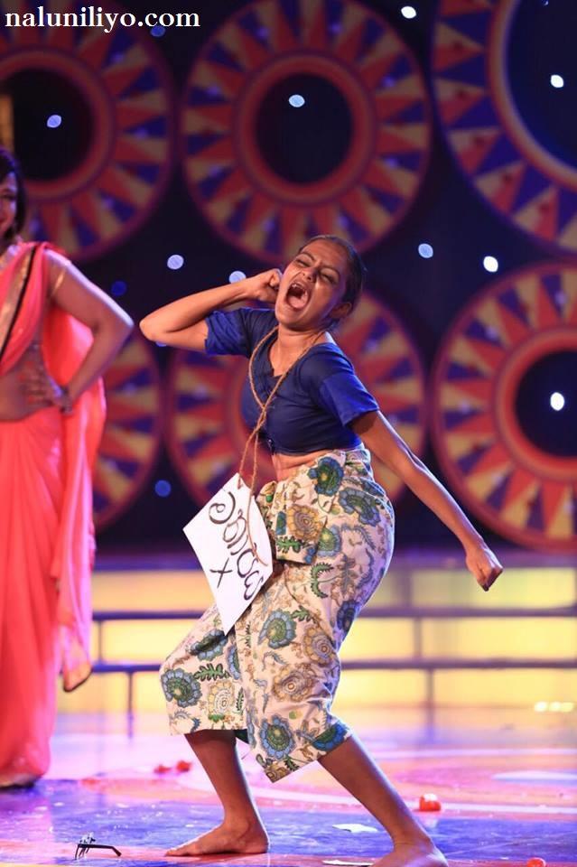 Dinakshie Priyasad derana