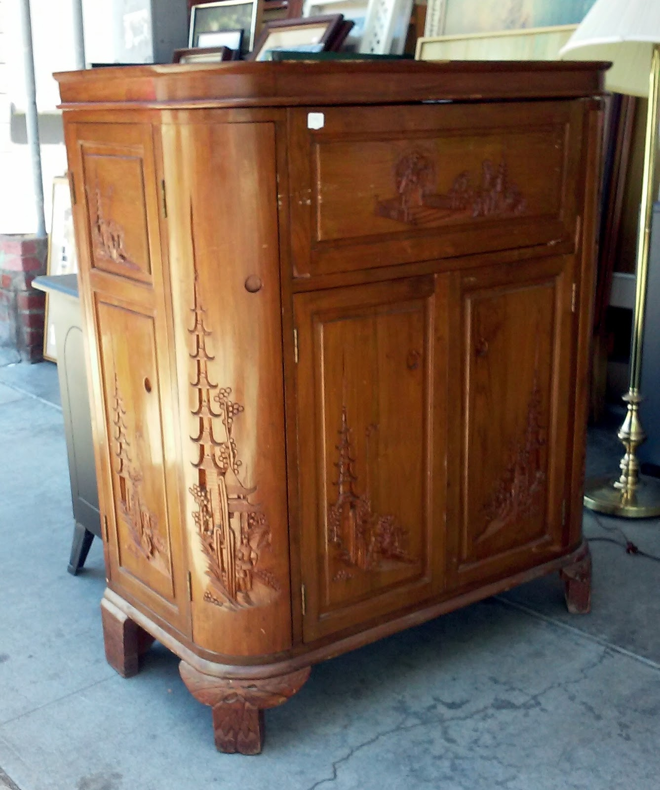 The Find Furniture: UHURU FURNITURE & COLLECTIBLES: SOLD **BARGAIN BUY** #1941