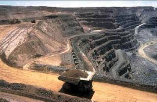 الموارد المعدنية وادارتها