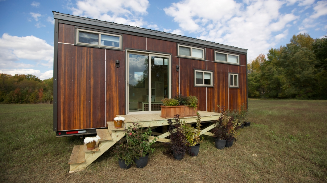 Climber House 204 Sq Ft The Homes Of Tiny House Nation