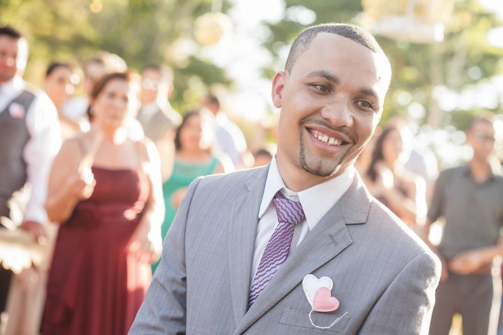 noivo - lapela noivo - lapela coração - casamento de dia - casamento ao ar livre
