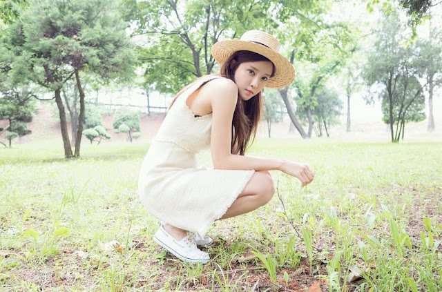 Steal Her Look: Hyomin's Little White Dress