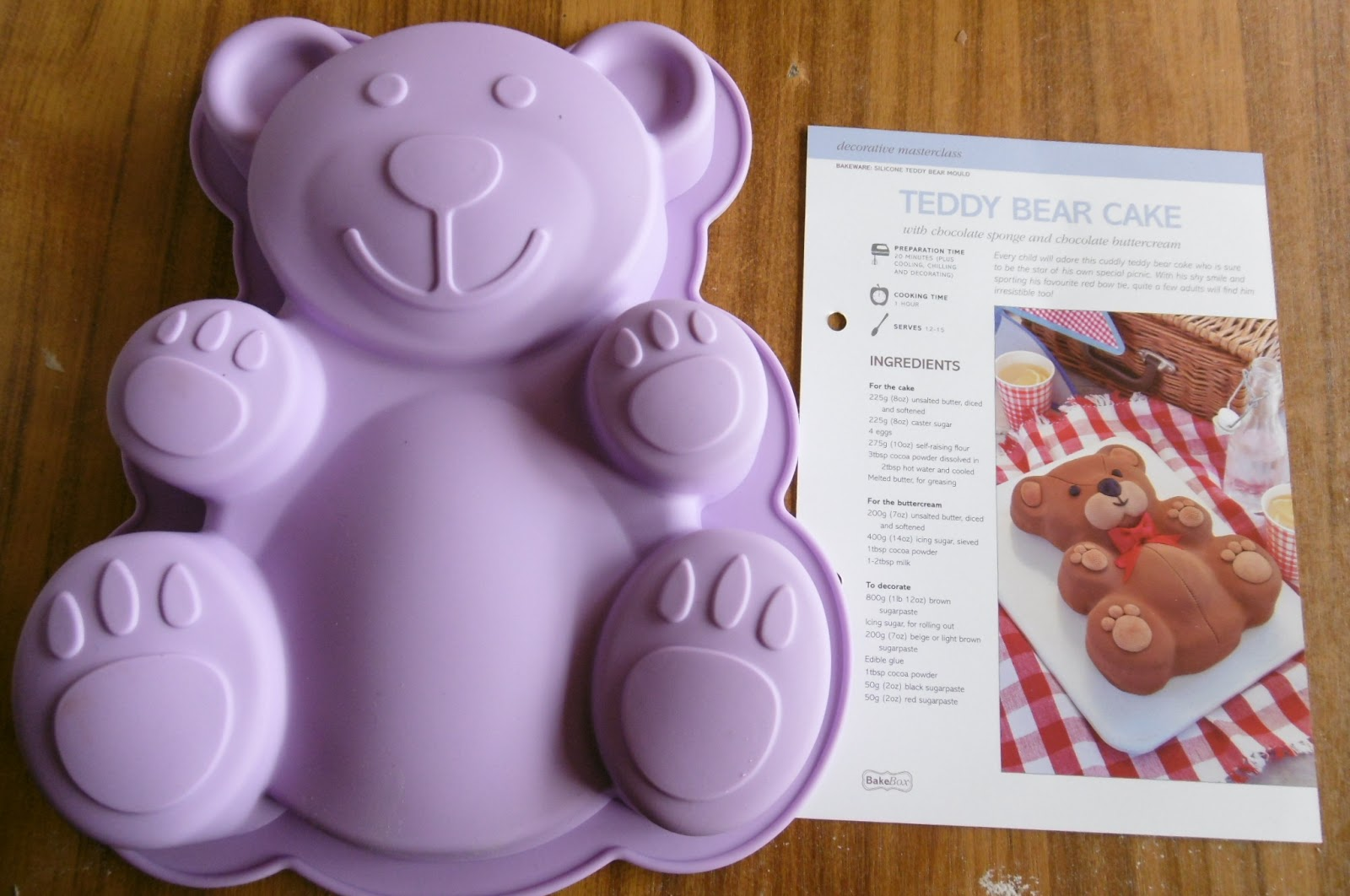 How To Decorate A Teddy Bear Cake With Butter Icing