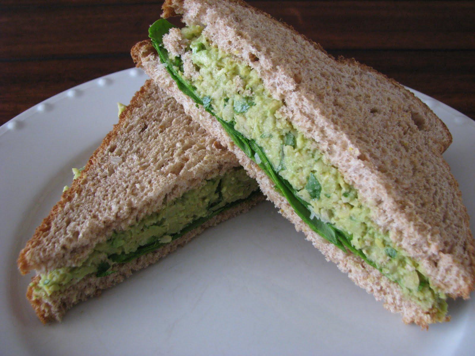 Smashed Avocado & Chickpea Salad Sandwich - Super Veggie ...