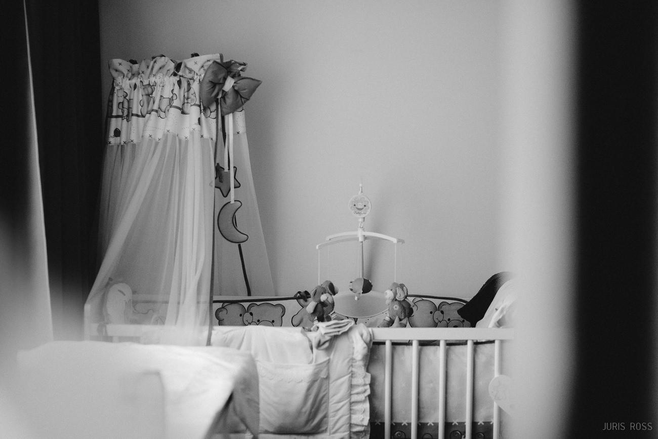 jaundzimušā gultas iekārtošana fotosesija mājās